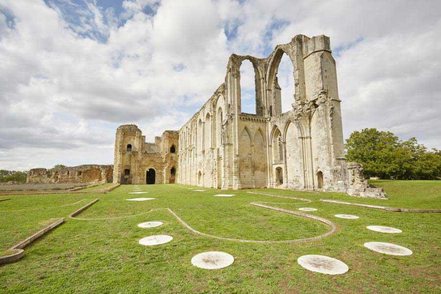 Abbaye de Maillezais - Vendée - hotel abbaye moreilles