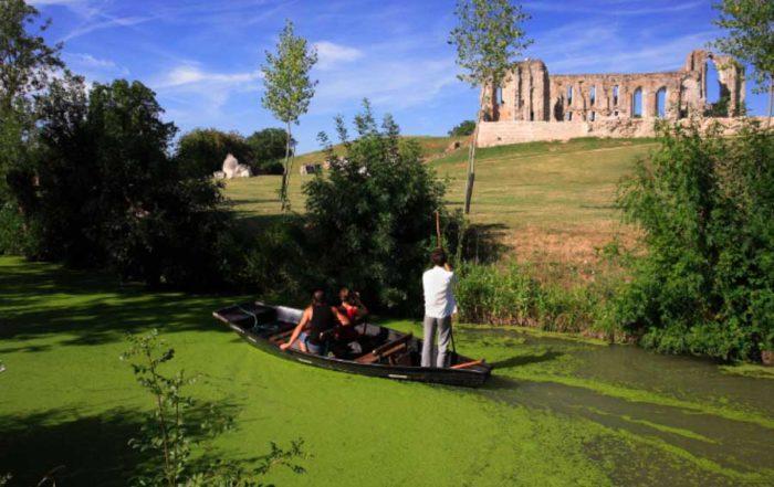 Balade en barque - Maillezais - Hotel Marais Poitevin