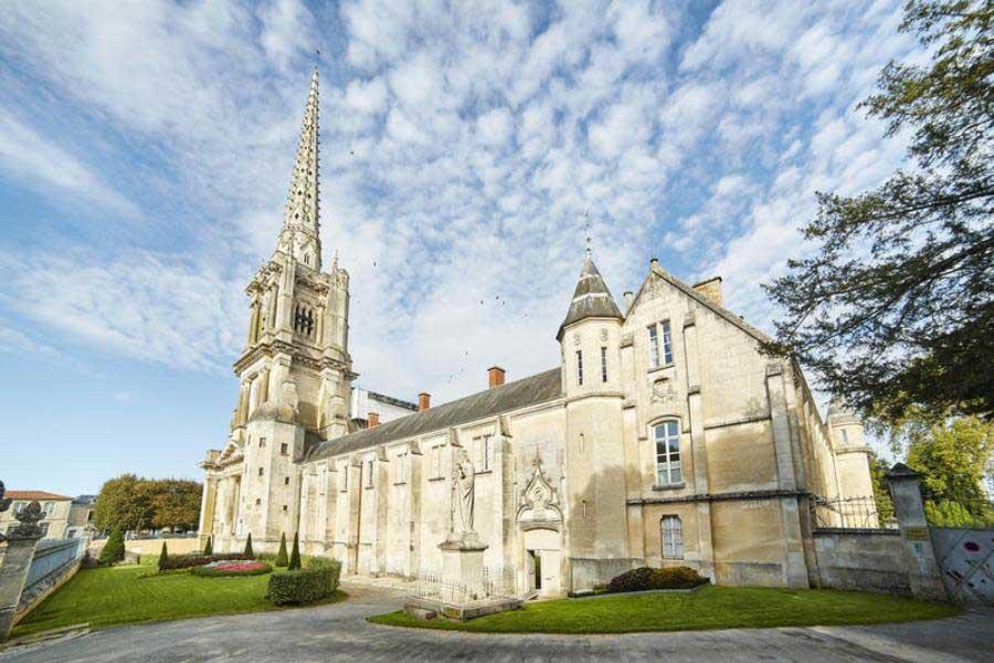 Cathédrale de Luçon - Hotel Lucon