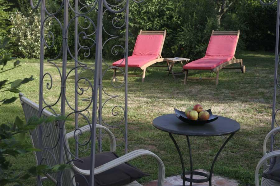 Hotel avec jacuzzi et jardin privé