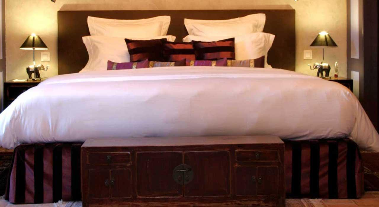 Hotel avec jacuzzi privatif chambre bragelogne avec jacuzzi for Hotel aix les bains avec jacuzzi dans la chambre