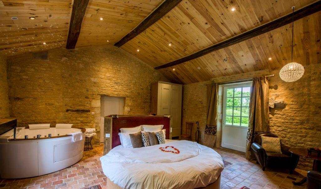 Hôtel avec spa et chambre avec jacuzzi   Le Portail en Marais Poitevin